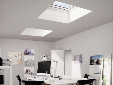 flachdachfenster mit echtglasscheibe. Black Bedroom Furniture Sets. Home Design Ideas